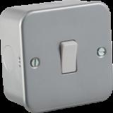 Knightsbridge Metal Clad 10A 1G 2 Way Switch