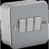 Knightsbridge Metal Clad 10A 3G 2 Way Switch